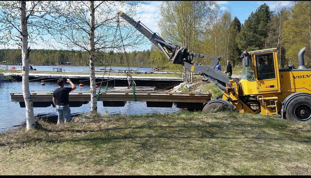 Sjösättning av ny brygga