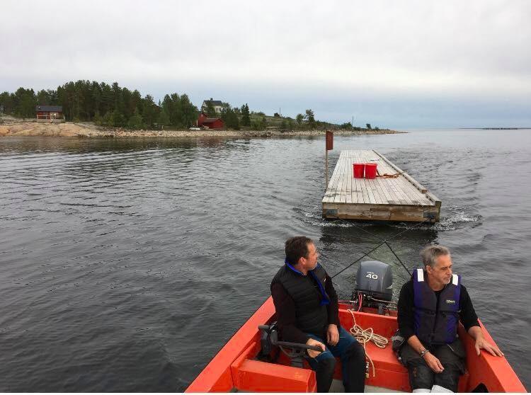 Inbogsering av bryggan på Hamnskär