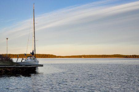 En tapper gästbåt anlände till hamnen 2017-05-30